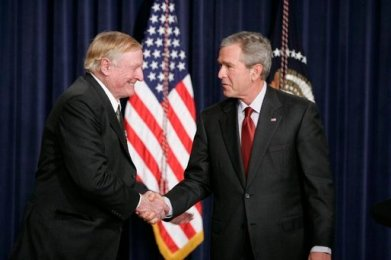 William_F._Buckley,_Jr._with_President_Bush_2005